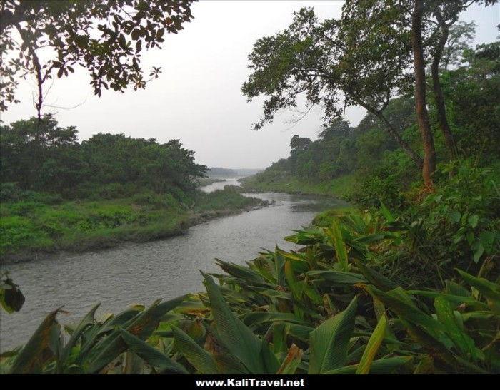 canoa-paseo-chitwan-nacional-parque