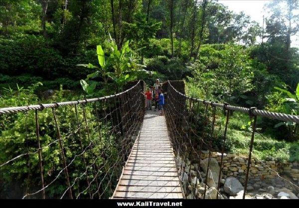 nepal-nayapul-bridge-poon-hill-trek