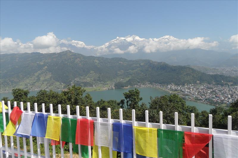 pokhara-view-from-peace-temple-to-phewa-lake-with-annapurna-mountains-on-the-horizon-nepal