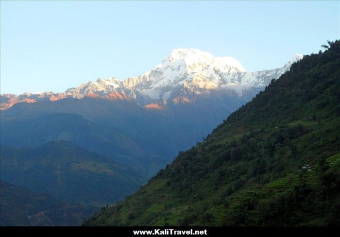 sunrise-tolka-hill-village-annapurna-trek-nepal