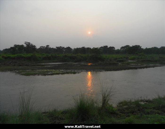 sunset_over_chitwan-river-nepal